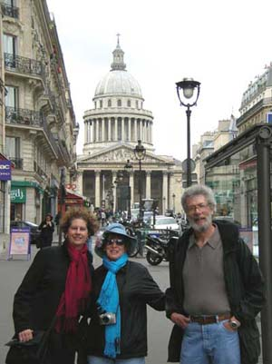 Carol, Muriel and Marc near the Pantheon