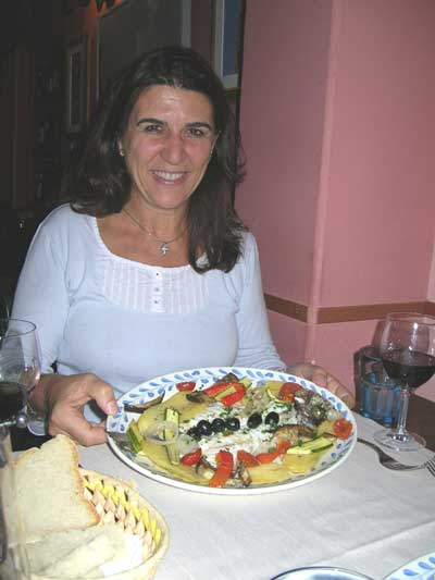 Eleni about to enjoy a delicious Florentine dinner