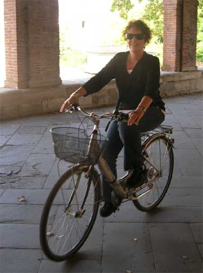 The only way to travel in Lucca