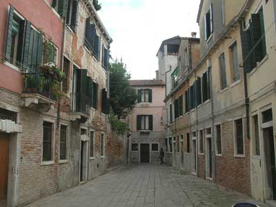 Quiet Venetian courtyard