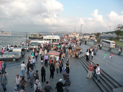 Busy Sunday at the Galata Bridge