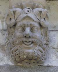 nteresting heads under the Pont Neuf