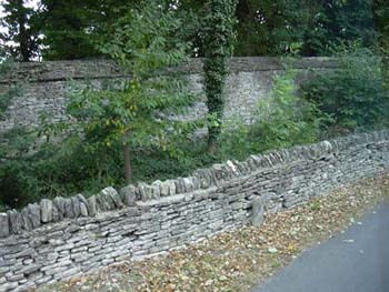 Walls (no mortar) in the Cotswolds
