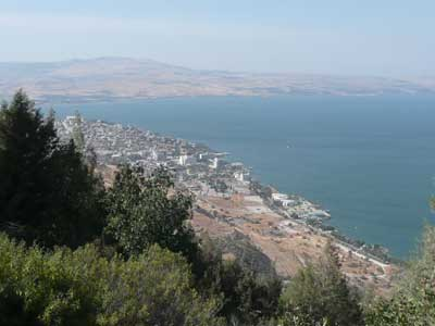 Tiberias hugs the Sea of Galilee (the Kenneret)