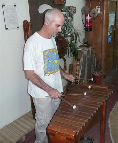 Pete Isacowitz plays one of his beautiful hand-made instruments