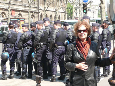 Carol and several French police